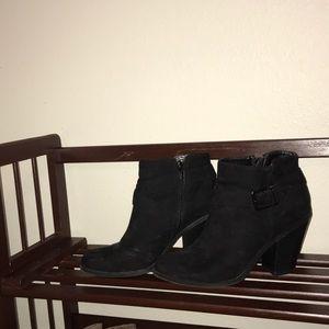 3.25 inch Banana Republic heeled booties